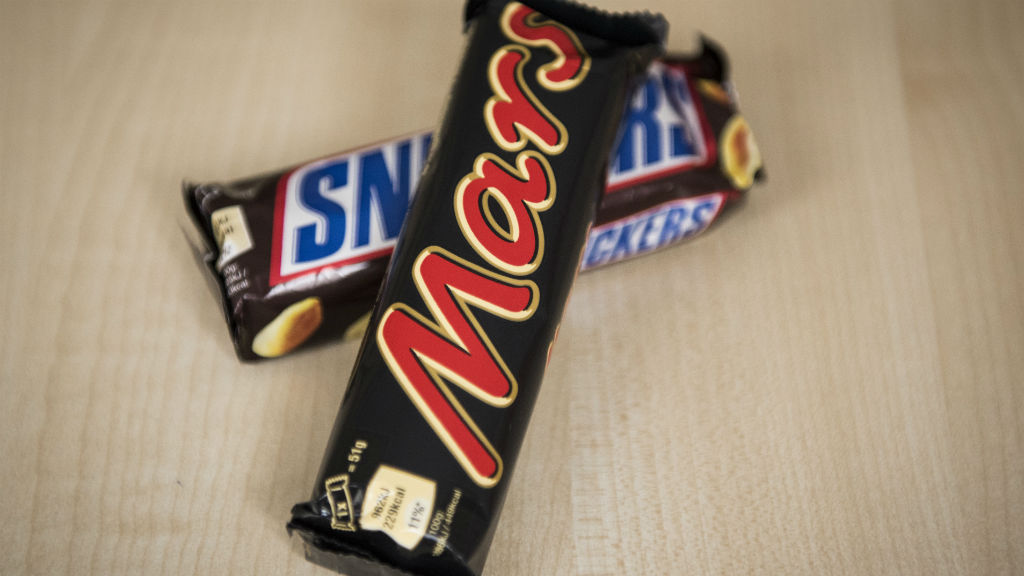 Mars and Snickers Bars Recalled Over Plastic Scare