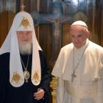 Pope Francis, Russian patriarch kiss at historic meeting