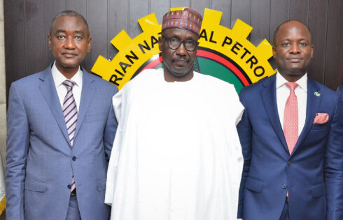 ·L – R shows Chairman, Nigerian Exchange (NGX) Limited, Mr.AbubakarBalarabeMahmoud, SAN, OON; Group Managing Director, Nigerian National Petroleum Corporation (NNPC), Mr. Mele Kolo Kyari; and Chief Executive Officer, NGX, Mr. Temi Popoola, CFA, during a courtesy visit to NNPC on Tuesday, 7 September 2021, in Abuja